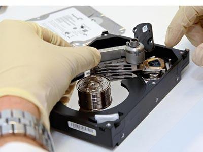 máy cứu dữ liệu PC-3000